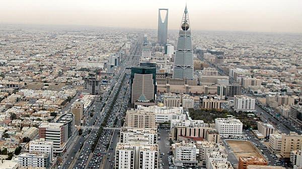 السعودية تعتزم مراجعة المقابل المالي والرسوم على الوافدين.. يتم دفعها كل 3 أشهر بدلا من سنة