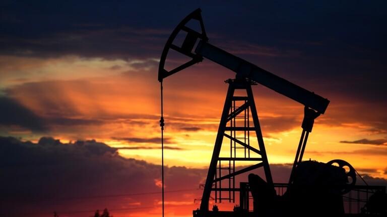 ارتفاع أسعار النفط بنحو 3%