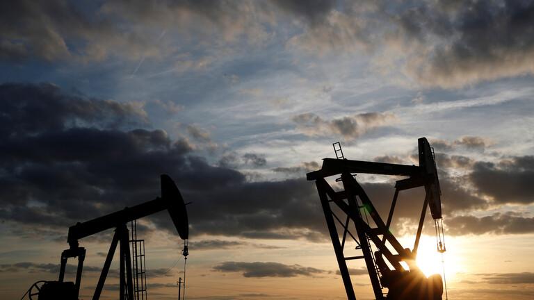 """الكرملين: بوتين لا يخطط لمناقشة صفقة """"أوبك+"""" مع كبرى شركات النفط الروسية"""