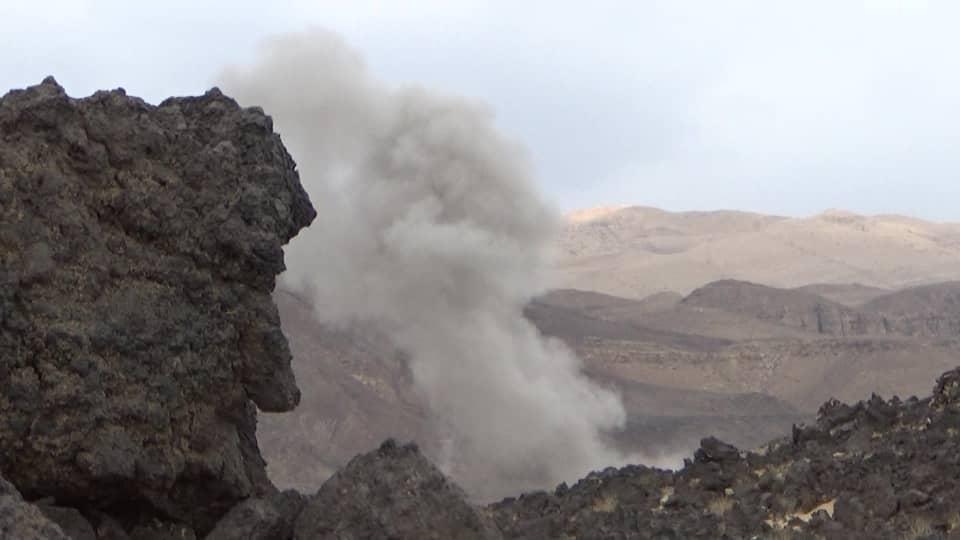 طيران التحالف يشن قصفا عنيفا على مواقع الحوثيين غربي مأرب