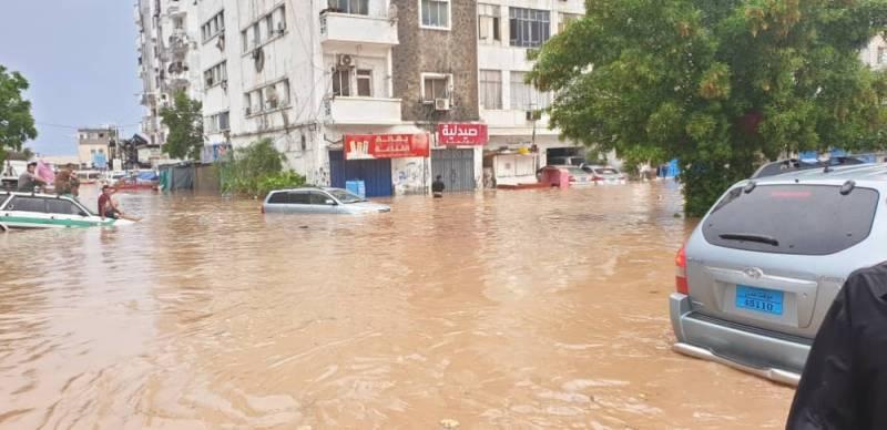 فلكي يمني يكشف تطورات الحالة الجوية خلال الأربعة أيام القادمة