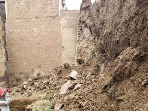 احصائية مخيفة بعدد المنازل التي دمرتها السيول في صنعاء القديمة