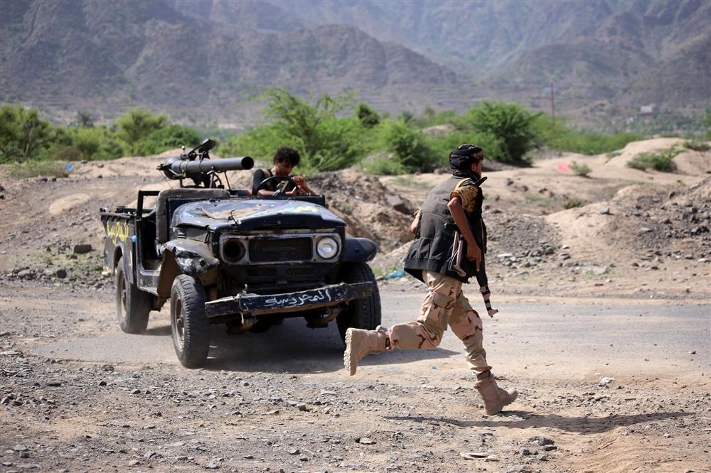قوات طارق صالح تشن أول هجوم على الجيش في تعز وهكذا كان الرد!