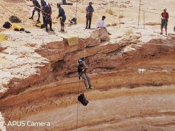 خارج التوقعات...لن تصدق ماذا وجد الفريق الاستكشافي العماني في بئر برهوت محافظه المهرة(فيديو)