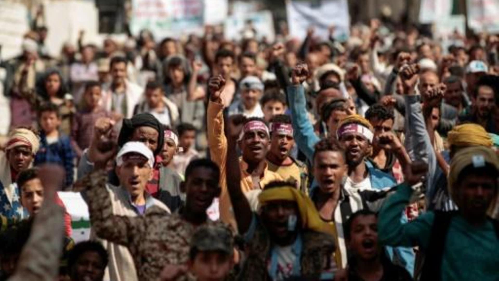 محافظ حضرموت يُعلن الإلتزام بعلاج المواطنين المصابين في الأحداث الأخيرة