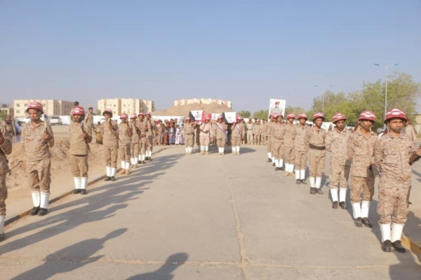 الجيش يعترف بمقتل أحد قادته البارزين مع ضابطين مرافقين له في صنعاء